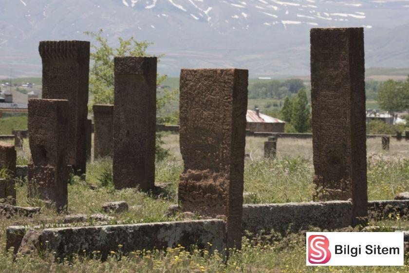 bitlis ahlat mezarları